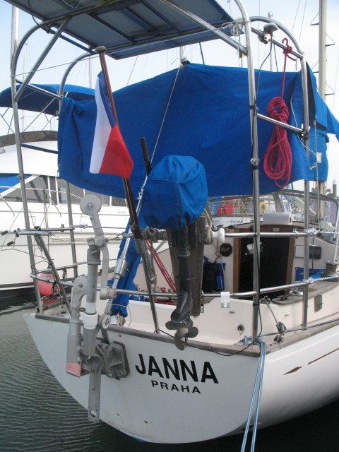 Janna v plné kráse s českou vlajkou a novým jménem na zádi